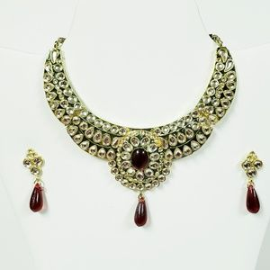 Jewelry - Indian bridal necklace with red stones